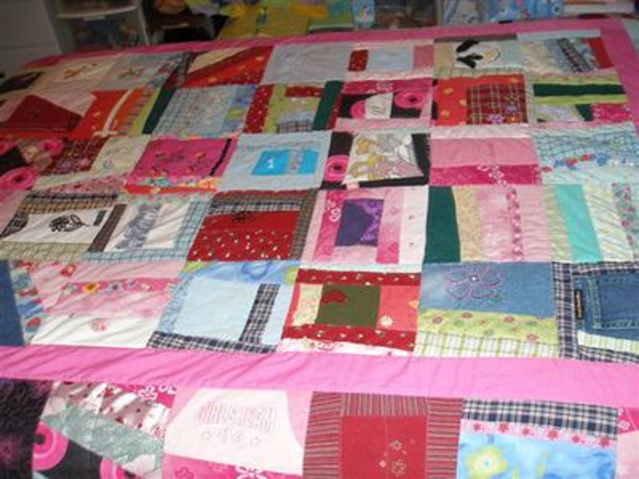 girls clothing quilt